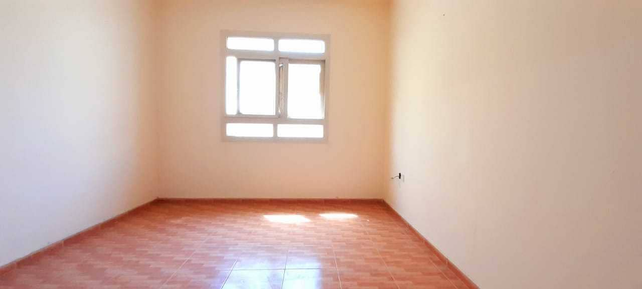 SPECIOUS 1 BED ROOM  WITH CENTRAL AC/GAS4 TO 6 CHEQ  PAYMENT