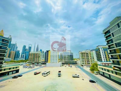 فلیٹ 2 غرفة نوم للايجار في شارع الشيخ زايد، دبي - Like brand new 2bhk with 45 days free open view near to metro station on sheikh zayad road