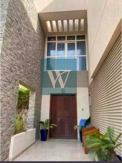 فیلا 6 غرف نوم للايجار في واحة دبي للسيليكون، دبي - New Listing:- Upgraded  6BR + Maids | Single Row | Huge Plot  | Multiple Cheques
