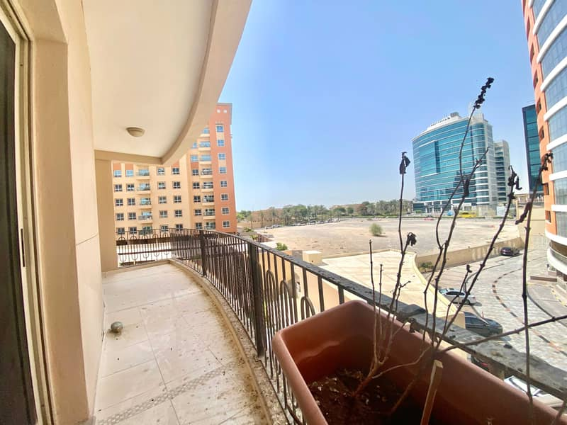 Specious Bright Huge Glassess 1Bhk Apt 27K With All The Facilities
