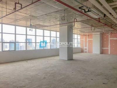 مکتب  للبيع في أبراج بحيرات الجميرا، دبي - Lake and City View | High floor | Shell and core