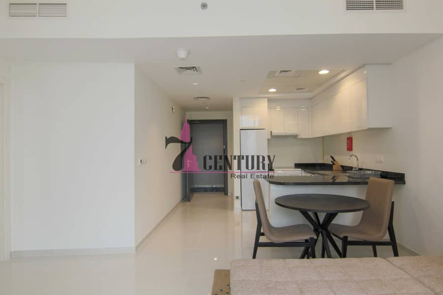 2 Fully Furnished | 1 BR Apt | Skyscraping Structure