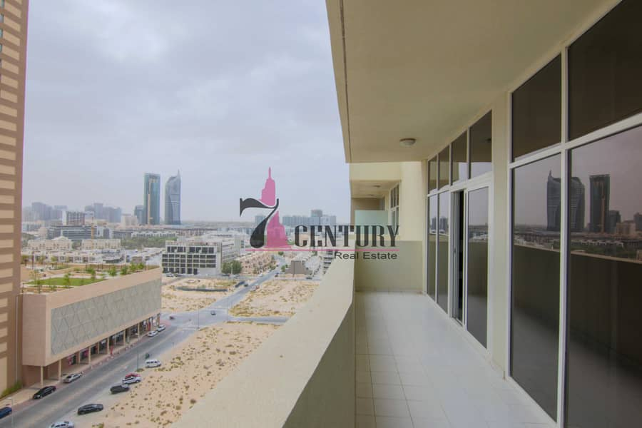 12 Fully Furnished | 1 BR Apt | Skyscraping Structure