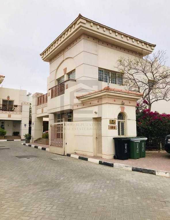 Hot Deal 4BR + Maid Villa for Rent in Umm Suqaim