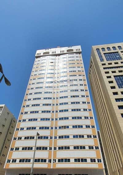 مبنی تجاري  للبيع في منطقة النادي السياحي، أبوظبي - Great Investment Deal! Commercial Building For Sale   Tourist Club Area   Well Maintained   Flexible Payment