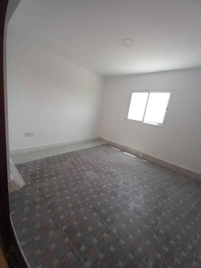 فلیٹ 1 غرفة نوم للايجار في الخالدية، أبوظبي - Affordable 1BHK with Balcony & Free water