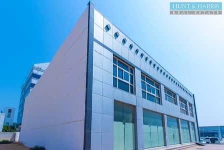 محل تجاري  للايجار في الظيت، رأس الخيمة - Elegent Showroom - Stylish - Great Retail Opportunity
