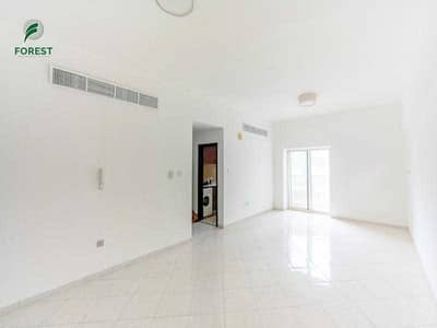 Vacant  Ready to Move In  Unfurnished  Near Metro