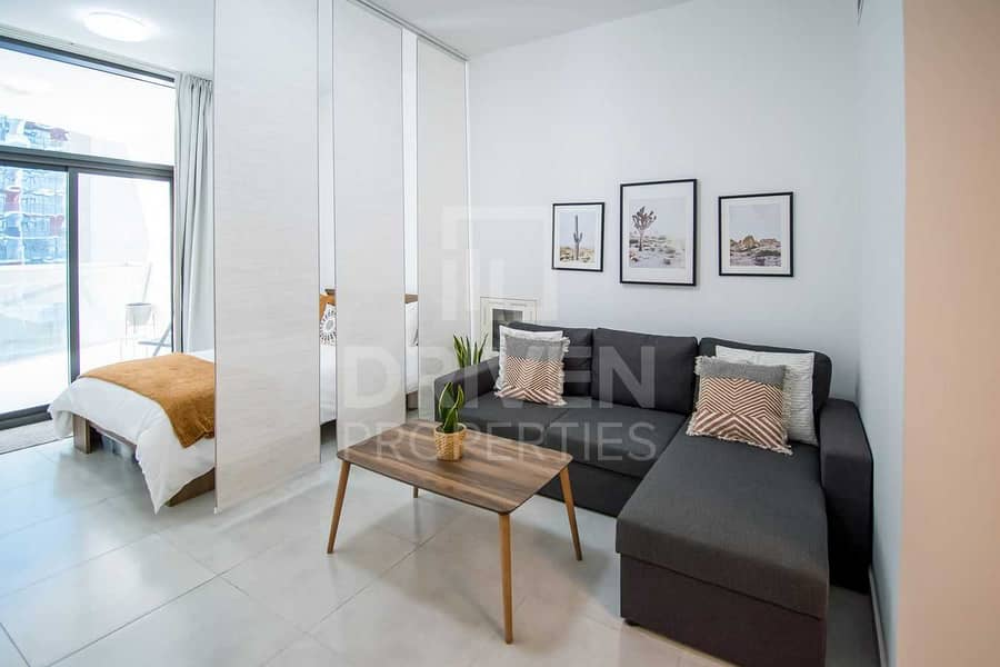 Hot Deal | Modern and Stylish | Close to Mall