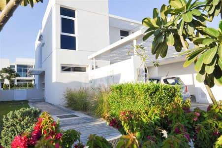 تاون هاوس 3 غرف نوم للبيع في مدن، دبي - Perfect Location/ Beautifully Landscaped/ Privacy
