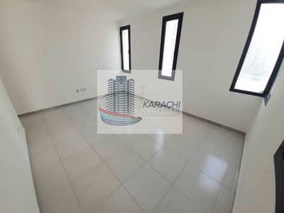 فلیٹ 3 غرف نوم للايجار في منطقة النادي السياحي، أبوظبي - 3BHK WITH MAID ROOM JUST FOR 60