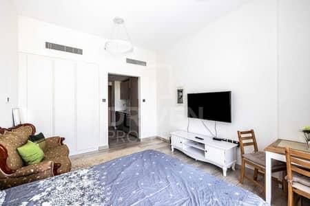 استوديو  للايجار في قرية جميرا الدائرية، دبي - Fully Furnished Studio | Ready to move in