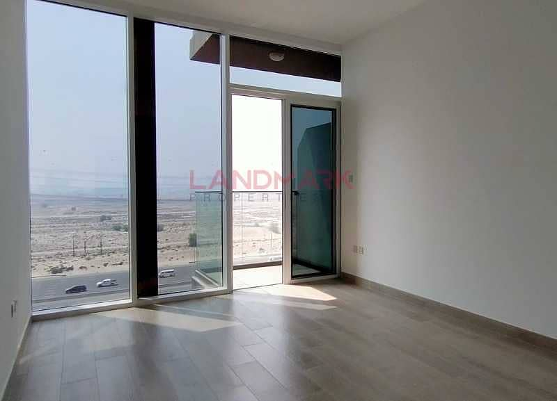 2 One Month Free Bright And Spacious Studio With Balcony In Luxury Bloom Towers