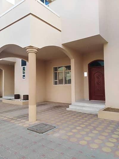 فیلا 3 غرف نوم للايجار في عشارج، العین - فیلا في عشارج 3 غرف 60000 درهم - 4931443