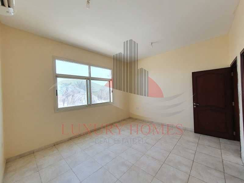 Ground Floor Apt with Spacious Rooms