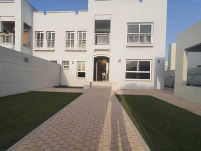 4 Bedroom Villa for Rent in Barashi, Sharjah - Huge 4bedroom+maids villa with wardrobes in al barashi area 7000sqft rent 95k in 4chqs