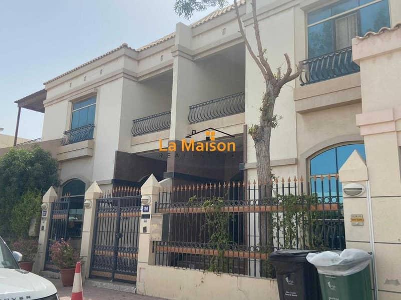 compound villa with privet garden in manara rent is 180k