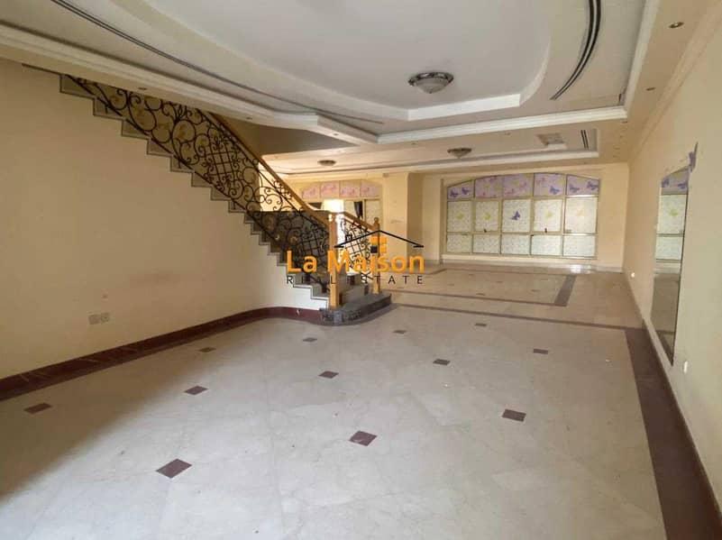 2 compound villa with privet garden in manara rent is 180k