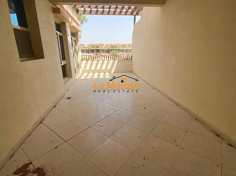 14 compound villa with privet garden in manara rent is 180k