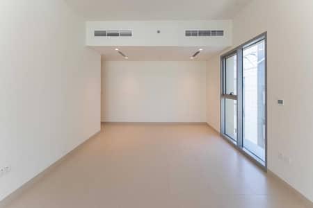 شقة 2 غرفة نوم للايجار في الكرامة، دبي - شقة في بناية مزون الكرامة 2 غرف 82000 درهم - 5287324