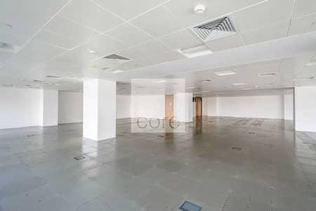 مکتب  للايجار في كابيتال سنتر، أبوظبي - Low floor | Fitted Office | Well Located
