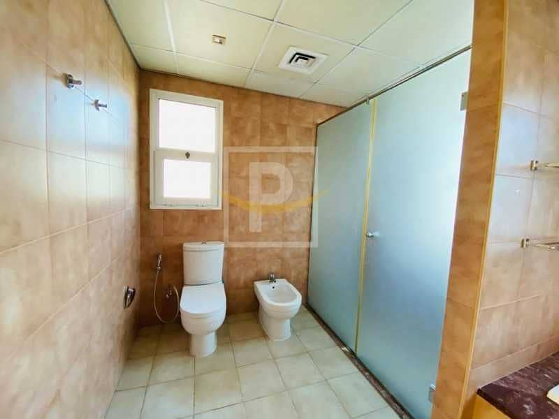 14 Immaculate 2 BR   Corner Unit    Facing Park   District 5