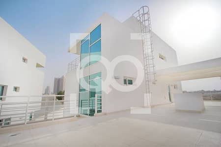 4 Bedroom Villa for Sale in Al Sufouh, Dubai - Stunning Freehold Villa - Largest Plot on Market JUMEIRAH