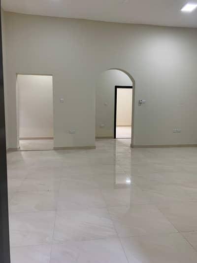 شقة 4 غرف نوم للايجار في الشوامخ، أبوظبي - شقة في الشوامخ 4 غرف 75000 درهم - 5288004