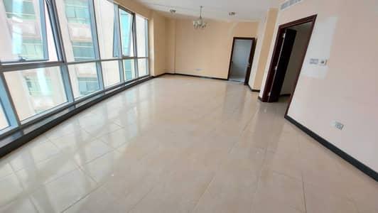 فلیٹ 3 غرف نوم للايجار في كورنيش البحيرة، الشارقة - شقة في كورنيش البحيرة 3 غرف 60000 درهم - 5288301