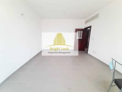 شقة 2 غرفة نوم للايجار في بوابة البحرية، أبوظبي - Well Maintained 2 BHK with Balcony   45