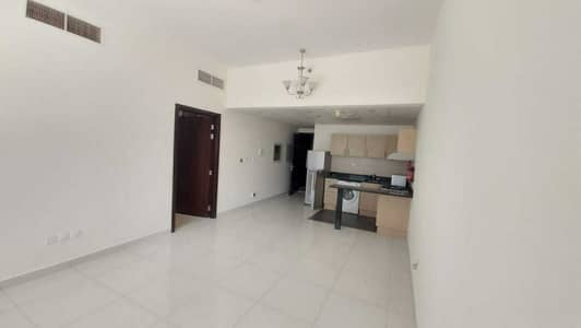 1 Bedroom Flat for Sale in Dubai Sports City, Dubai - Best Deal! Vacant 1 Bed with Canal View