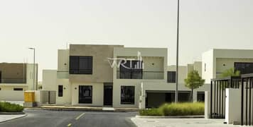 Ready to move 4br villa   No service charge lifetime