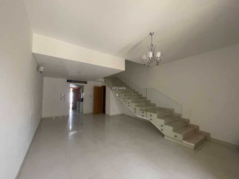 BEST DEAL !!!   VERY SPACIOUS  TOWNHOUSE