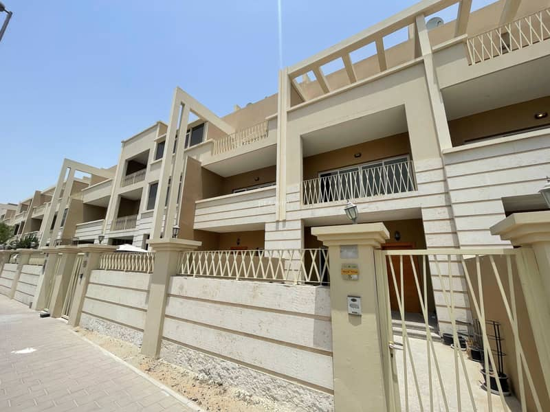 2 BEST DEAL !!!   VERY SPACIOUS  TOWNHOUSE
