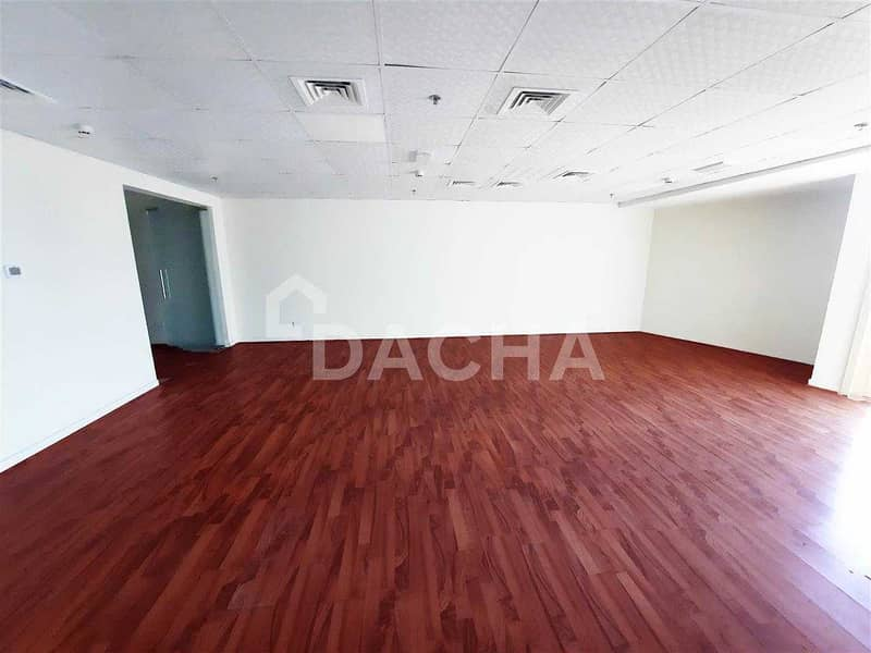 8 Exclusive Brand New Office / 2 partitions  / Near Metro