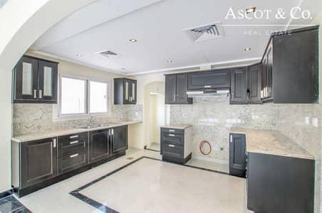 فیلا 4 غرف نوم للايجار في السهول، دبي - Excellent Upgrades   4 BD+M   Large Plot
