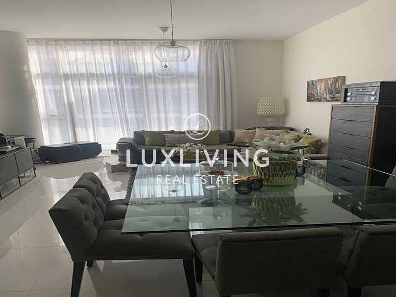 10 Spacious Apartment | Beautiful Layout | Pool View