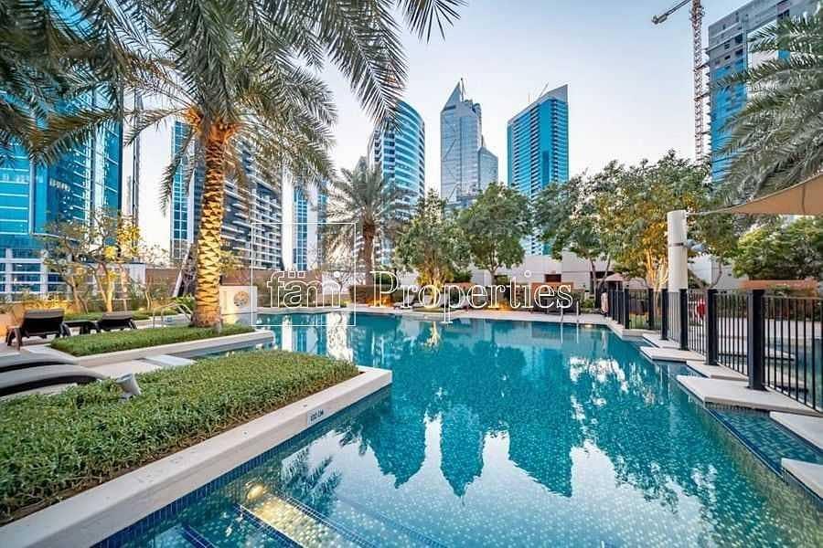 2 Luminous Apt | Spacious | Burj Khalifa Views