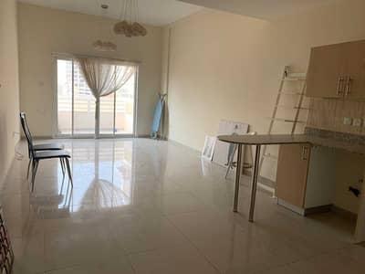 شقة 1 غرفة نوم للايجار في دبي لاند، دبي - غرفة نوم واحدة كبيرة للإيجار