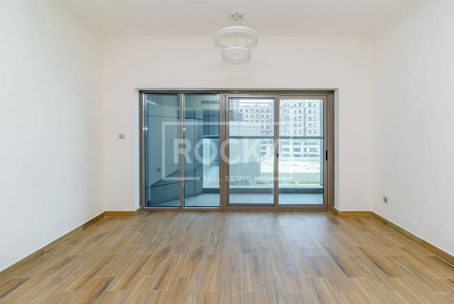 2 Exclusive  |  Studio |  Ready to move in