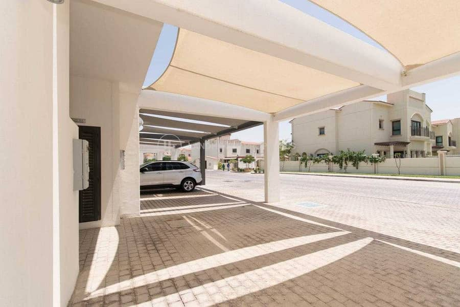 14 Corner 3 BHK Townhouse with Maid's Room