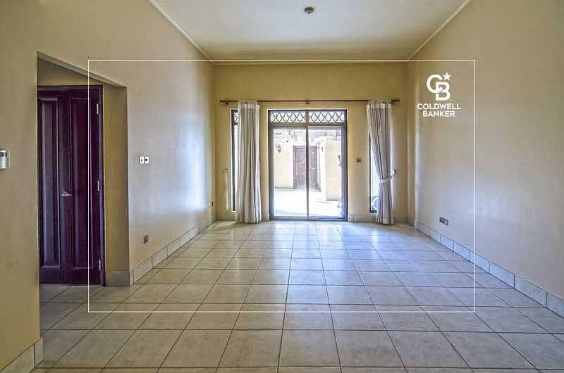 2 Private Garden  | 1 Bedroom Apartment Plus Study
