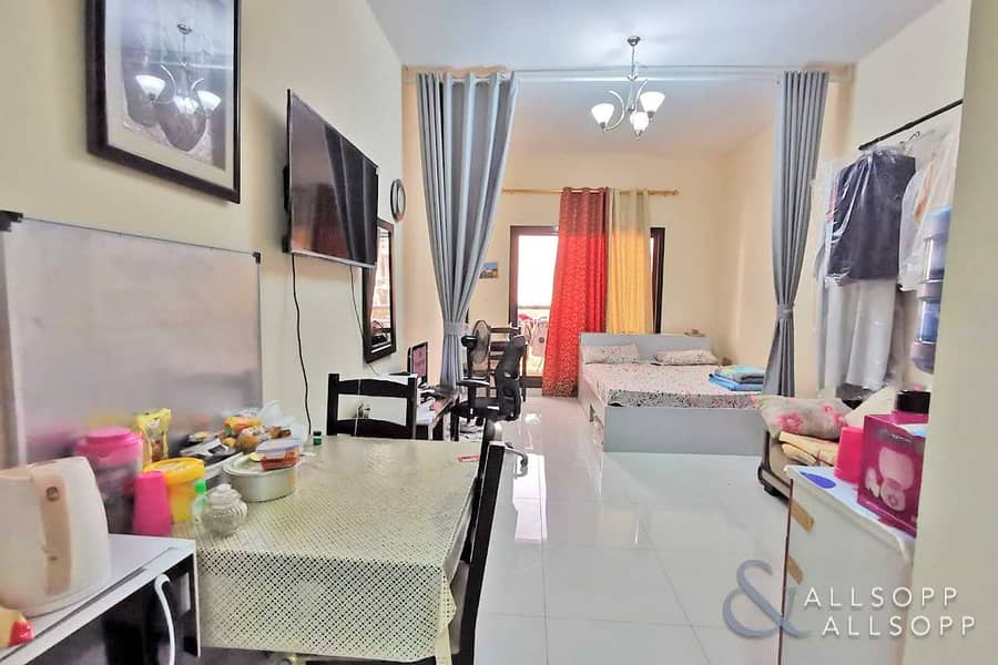 Tenanted | Investment | Golf View | Studio