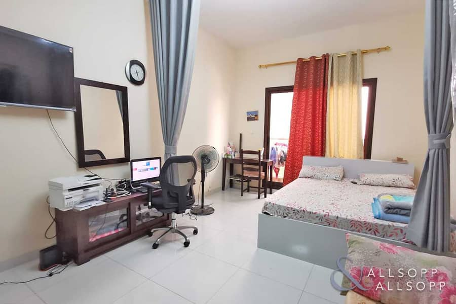 2 Tenanted | Investment | Golf View | Studio