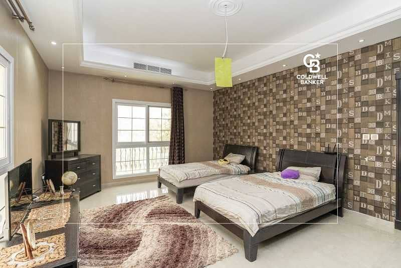 43 Fully Furnished   All Master Bedrooms   Corner Unit