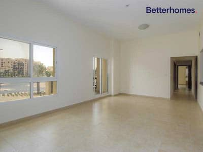 3 Bedroom Flat for Rent in Remraam, Dubai - Corner Unit | Spacious | Available 1st September