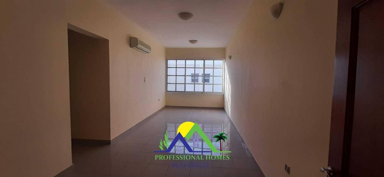شقة في المويجعي 2 غرف 30000 درهم - 5292048