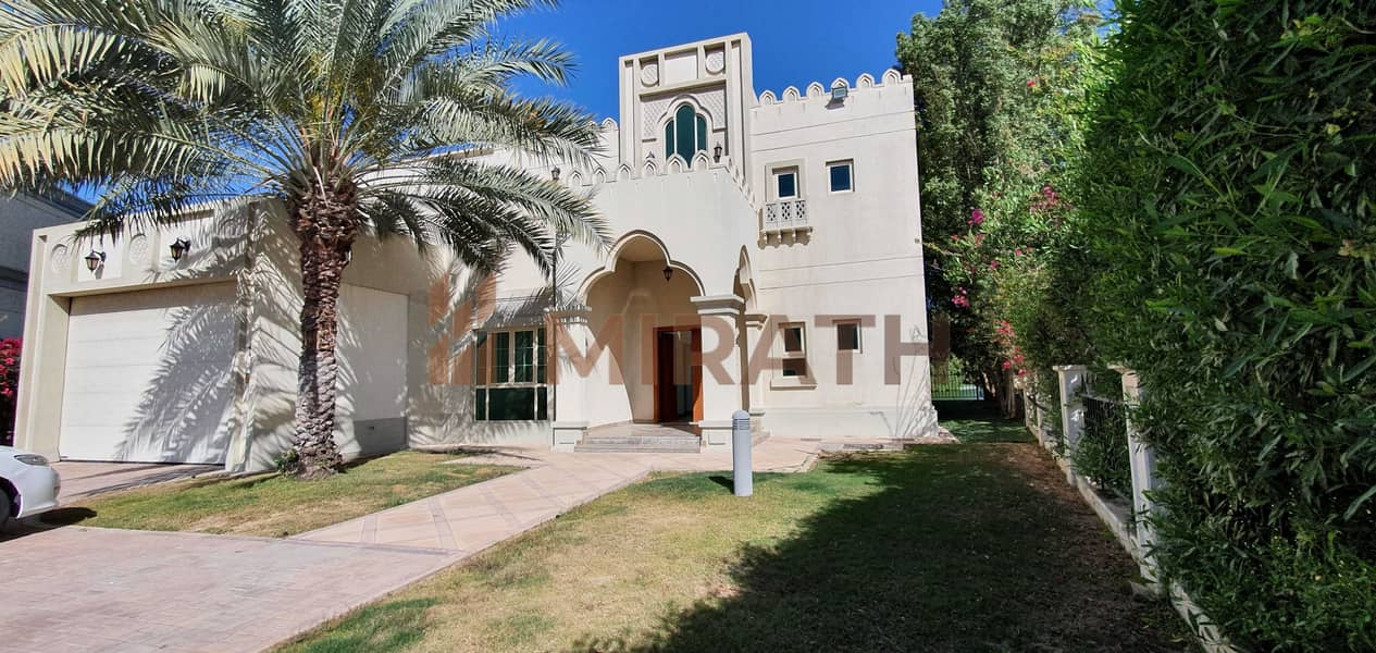 2 MASTER VIEW 5BR WITH PRIVATE POOL & GARDEN