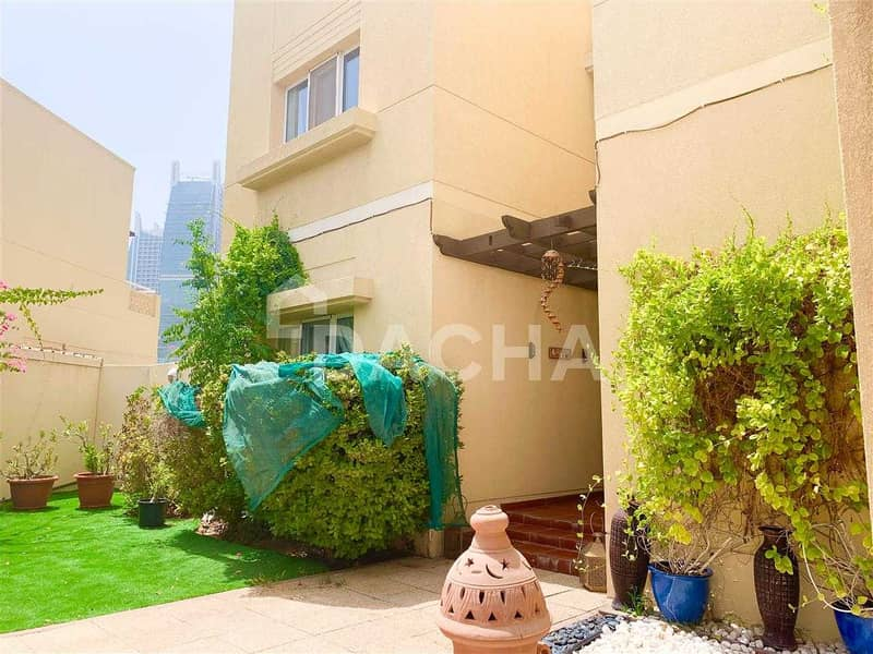 2 For Beautiful Family/ Well maintained/ Large garden