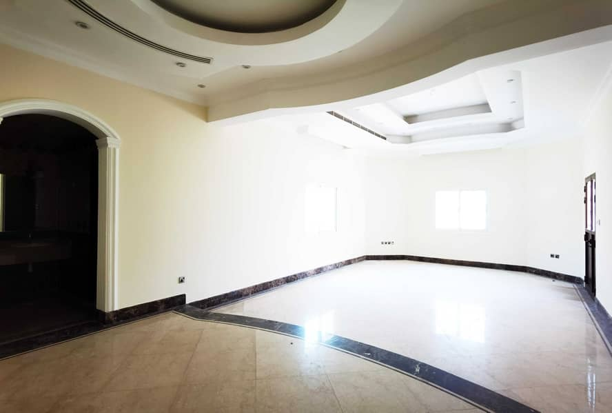2 NEGOTIABLE & LUXURY 5BR VILLA FOR RENT